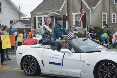 Freshman Attendants in the Homecoming Parade